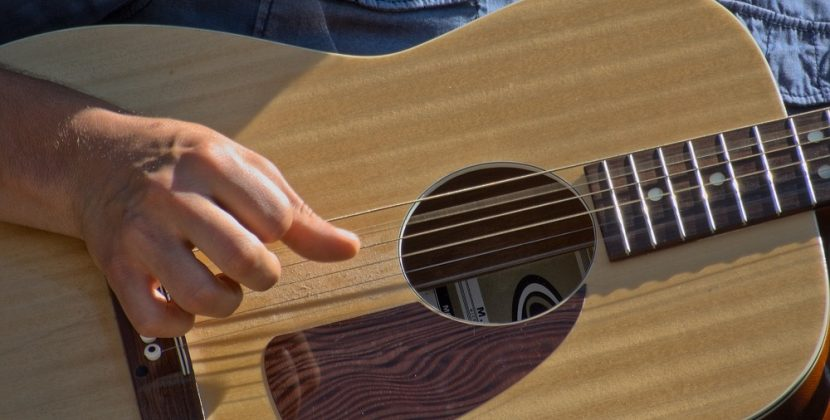 What Is Fingerstyle Guitar