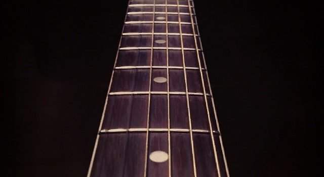 Do Heavier Strings Reduce Fret Buzz?
