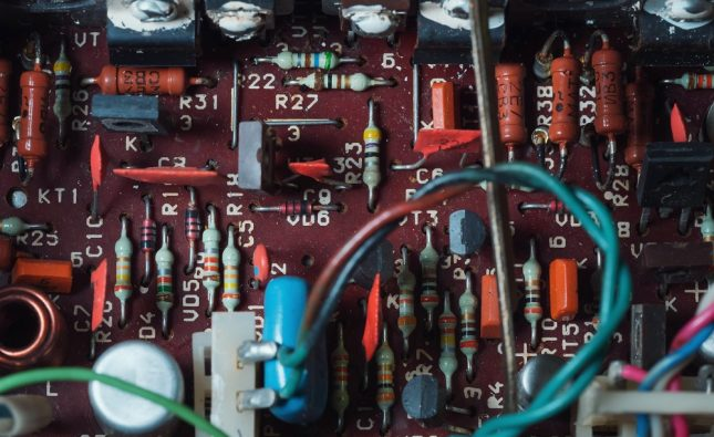 What Is The Difference Between An Amplifier And A Preamplifier