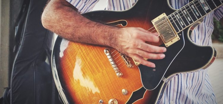 What Is The Role Of Rhythm Guitar?